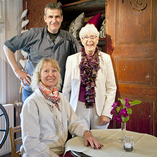 Gro Lyngstad (foran), Jo Lyngstad og mor Elin Lyngstad