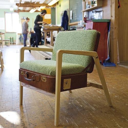 En av mange stoler som har sett dagens lys på «Møbelsnekker´n»