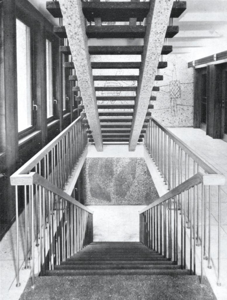 I trapperommet fnnes betongarbeider i alle etasjer (Bonytt 3/59, Foto:  Munthe Svendsen)