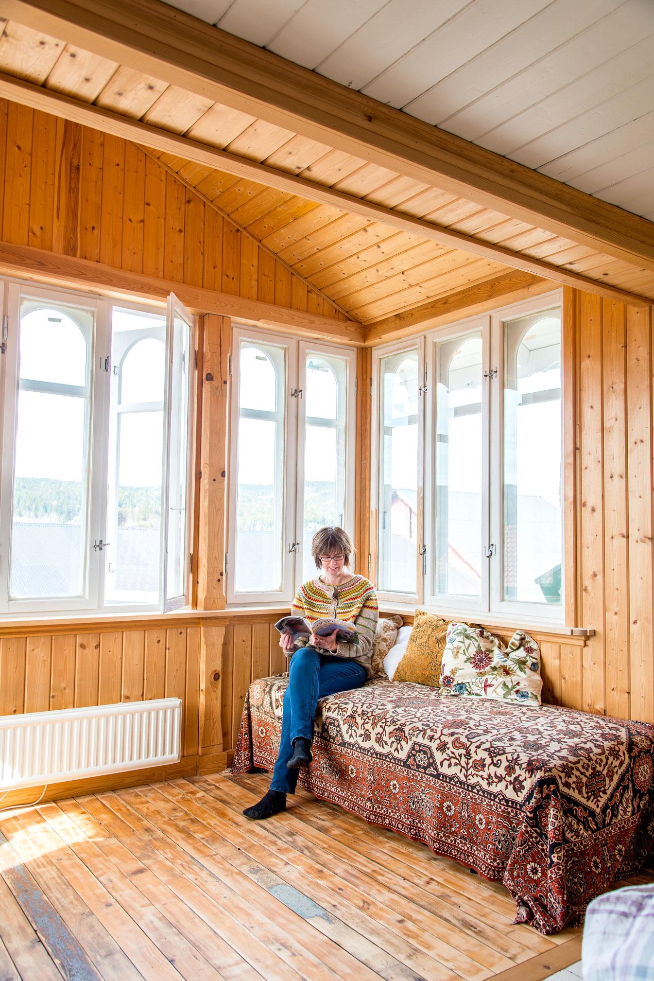 Soverommet var lite, trangt og mørkt med kun et vindu. Guro ser nå fram til å male og innrede det lyse og luftige rommet.