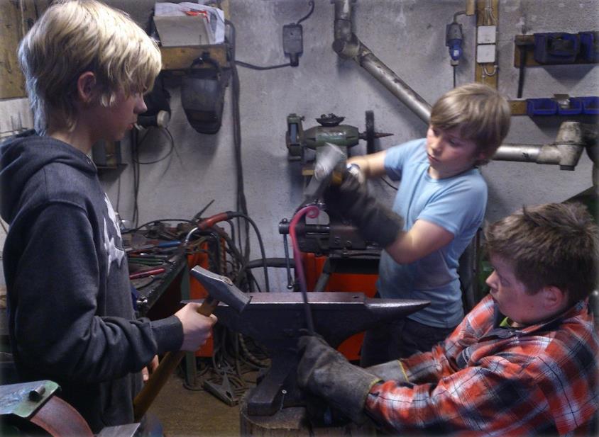 Ungdom på smikurs. Foto: Valdresmusea as