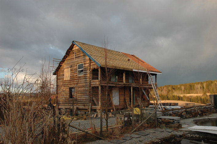 I del 1 av denne artikkelserien kunne du lese første del om demonteringen av svalgangshuset fra 1760-årene. Se link til saken i slutten av artikkelen!